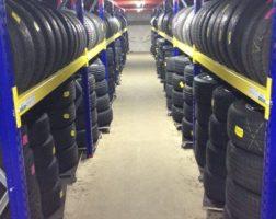 Regale für Reifen